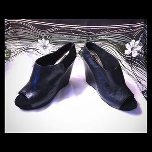 STEVEN STEVE MADDEN Black Leather Peep Shoe Sz 8.5